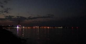 Ciepły wieczór na bulwarze w Gdyni