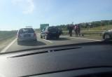 Kolizja osobówki z motocyklem przed zjazdem na S6