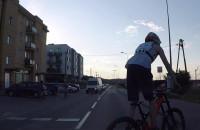 Ryzykowny manewr rowerzysty
