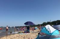 Kąpiele i opalanie się na plaży  w Brzeźnie