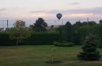 Balon przelatuje nad Redą