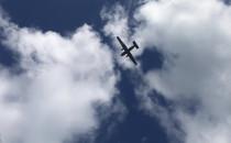 Przelot wojskowego samolotu nad Oksywiem