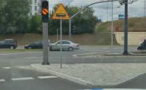 Na alei Adamowicza auto najechało na...