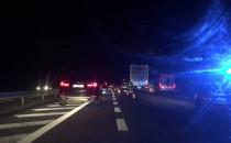 Wypadek na obwodnicy - ciężarówka i dwa...