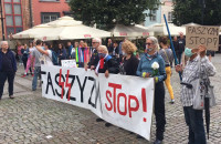 Nacjonaliści i kontrmanifestanci pod Neptunem
