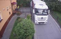 Ciężkie samochody na ul. Cedrowej