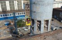 Rozbiórka komina starej elektrociepłowni w Gdyni