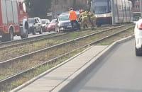 Usuwanie auta z torów na Podwalu Przedmiejskim