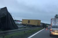 Wypadek tira i wojskowej ciężarówki na obwodnicy
