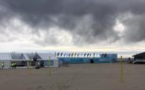 Miasteczko maratonowe na plaży w Gdyni