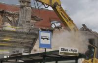 Wyburzanie dawnego baru mlecznego w Oliwie