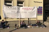 Siedzą przed biurem PiS-u w Gdańsku. Chodzi o tzw. kompromis aborcyjny