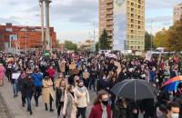 Protestujący na Wałach Piastowskich