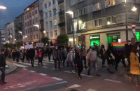 Policja w Gdyni apeluje o rozejście się
