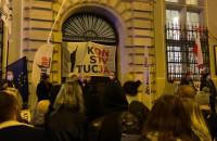 Protest przed Sądem Rejonowym w Gdańsku. Przemawia Henryka Krzywonos-Strycharska