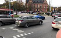 Tłum protestujących przy Hucisku w Gdańsku