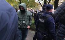 Przepychanki z policją podczas protestu w...