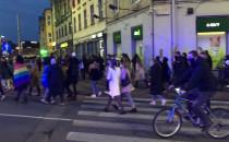 Protestujący w Gdańsku przenoszą się pod...