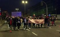Tłum protestujących na Władysława IV