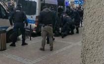 Skandal! Milicja atakuje i bije po głowach...