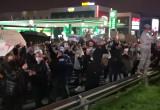 Protest pieszy spotyka protest aut