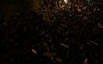 Widok z góry na protest na Targu Drzewnym