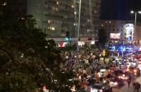 Tłumy na Władysława IV. Protestujący blokują drogę