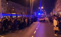 Protesty w Gdańsku: pikietujący robią...