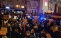Setki protestujących w centrum Wrzeszcza
