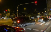 Samochodowy protest jedzie na Chwarzno....