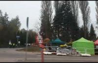 Straż Miejska przy wejściu na Cmentarz Łostowicki