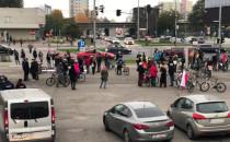 Marsz młodych pod Halą Olivia