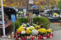 Bez tłumu na cmentarzu Witomińskim