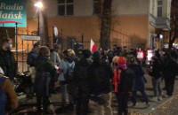 Protestujący zbierają się na al. Grunwaldzkiej
