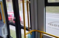 Godziny szczytu i pusty tramwaj
