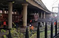 Wykolejony pociąg na torach SKM