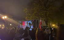 Techno protest na Targu Drzewnym
