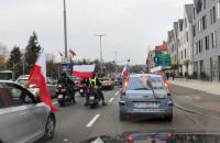 Parada samochodowa przejeżdża przez Oliwę