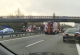 Ciężarówka uderzyła w wiadukt na obwodnicy