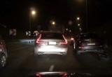 Kolizja trzech aut na zjeździe z estakady Kwiatkowskiego