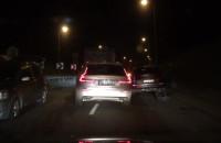 Kolizja 3 aut na zjeździe z Est. Kwiatkowskego