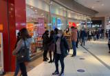 Galerie handlowe znów otwarte. Tłumy w Rivierze