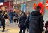 Tłumy klientów w trójmiejskich galeriach handlowych