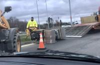 MIni-walec spadł z ciężarówki