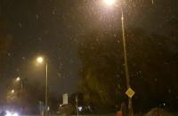 Śnieg pięknie prószy na Chełmie