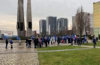 Demonstranci zebrali się na pl. Solidarności