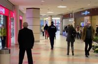 Policja kontroluje ludzi na zakupach w Klifie
