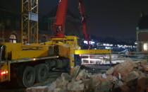 Ciężki sprzęt na placu remontu budynku...
