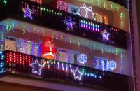Świąteczne dekoracje balkonów na Grabówku