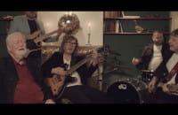 Bernard Dornowski Ex Czerwone Gitary - Niesamotna kolęda